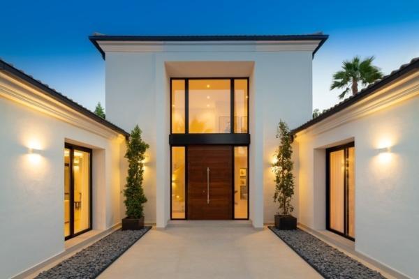 6 Bedroom, 6 Bathroom Villa For Sale in Las Brisas, Nueva Andalucia, Marbella