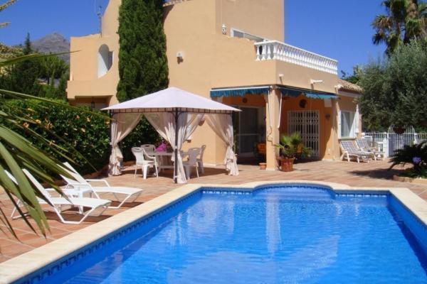 3 Bedroom, 4 Bathroom Villa For Sale in Las Brisas, Nueva Andalucia, Marbella
