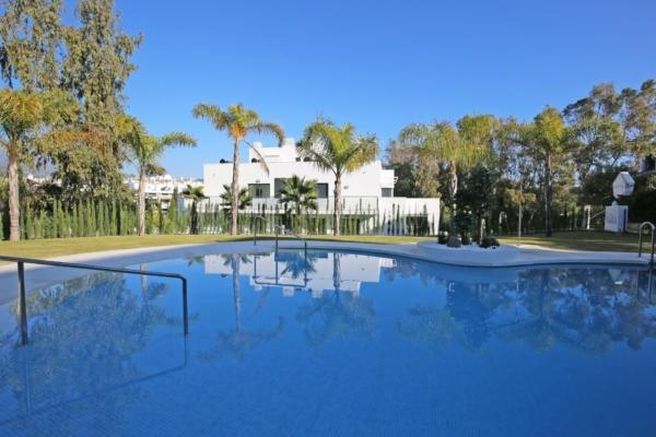 3 Bedroom2, Bathroom Apartment For Sale in Nazules, Marbella Golden Mile