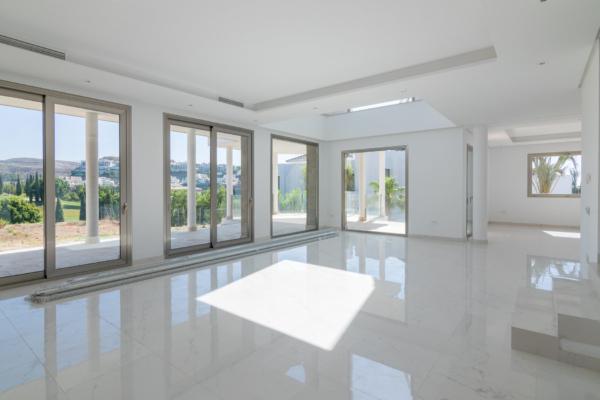 4 Bedroom4, Bathroom Villa For Sale in Los Flamingos, Benahavis