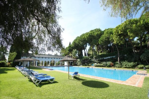 2 Bedroom1, Bathroom Apartment For Sale in Señorio de Marbella, Marbella Golden Mile