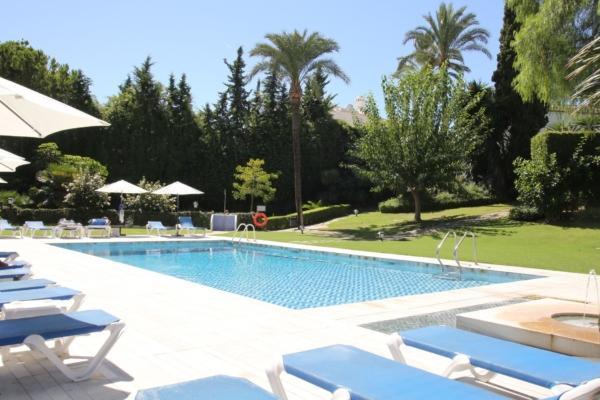 2 Bedroom1, Bathroom Apartment For Sale in Señorio de Marbella, Marbella Golden Mile