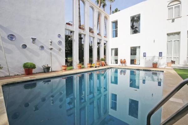 5 Bedroom4, Bathroom Villa For Sale in Las Brisas, Marbella