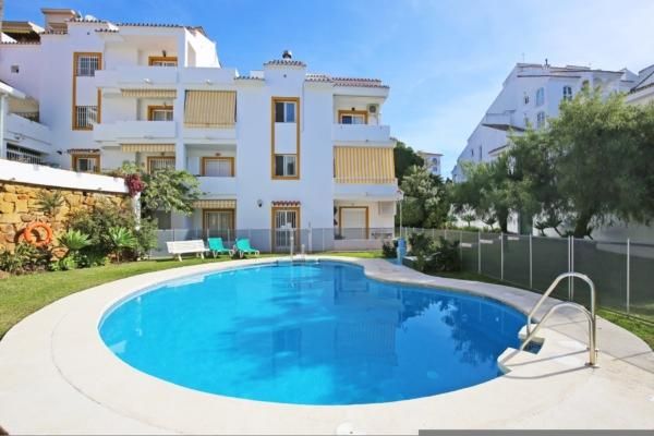 1 Bedroom1, Bathroom Apartment For Sale in Los Corales, Nueva Andalucia, Marbella