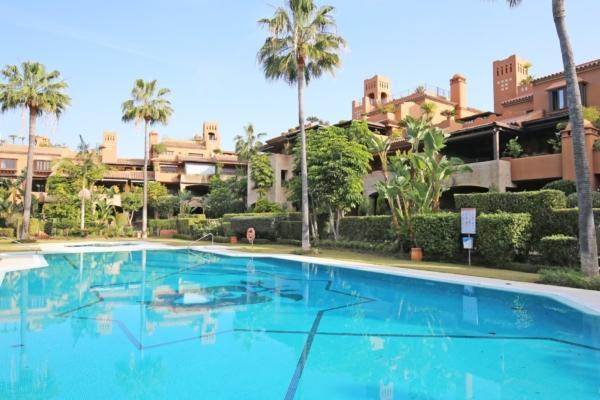 4 Bedroom3, Bathroom Townhouse For Sale in Alhambra los Granados, Guadalmina Baja, San Pedro de Alcantara