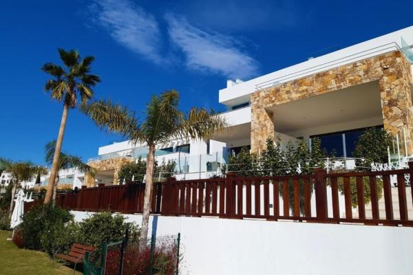 3 Bedroom3, Bathroom Townhouse For Sale in Lomas de Puente Romano, Marbella Golden Mile