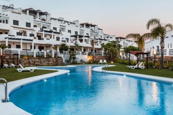 2 Dormitorio, 2 Baño Apartamento En Venta en La Resina Golf, Estepona