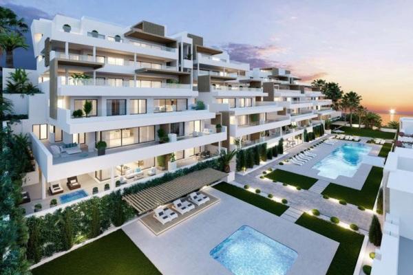 4 Bedroom, 4 Bathroom, Apartment for Sale in Estepona