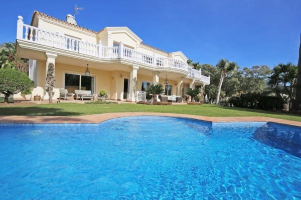 6 Bedroom6, Bathroom Villa For Sale in Marbella Golden Mile