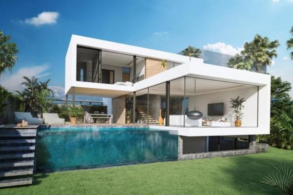 4 Bedroom, 4 Bathroom, Villa for Sale in Estepona