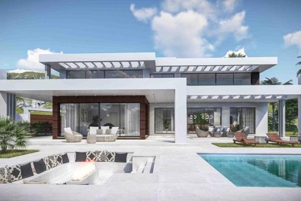 5 Bedroom, 5 Bathroom Villa For Sale in Marbella