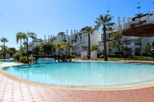 3 Bedroom2, Bathroom Apartment For Sale in Las Adelfas, San Pedro Playa, San Pedro de Alcantara