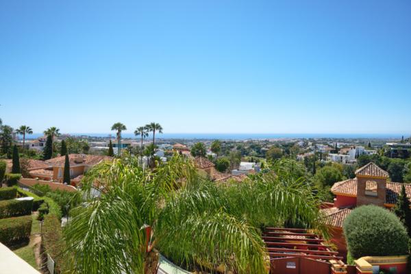 3 Chambre, 2 Salle de bains Maison de Ville A Vendre danse La Quinta Hills, Benahavis