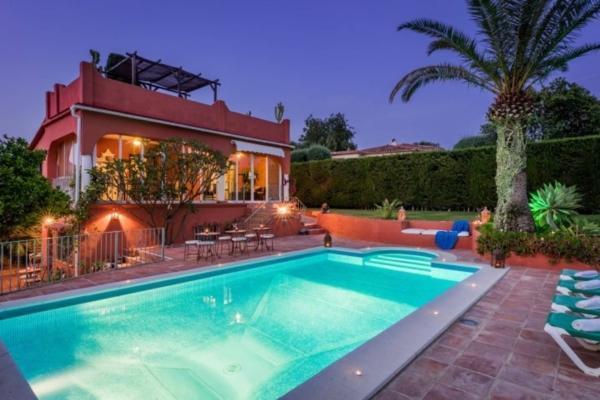 7 Bedroom7, Bathroom Villa For Sale in El Real Panorama, Rio Real, Marbella