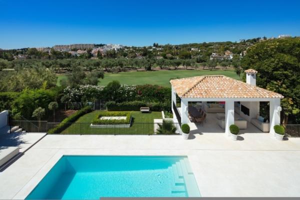 5 Bedroom, 5 Bathroom Villa For Sale in Parcelas del Golf, Marbella