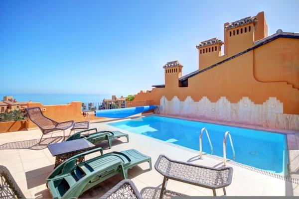 4 Bedroom, 4 Bathroom Penthouse For Sale in Los Granados del Mar, Estepona