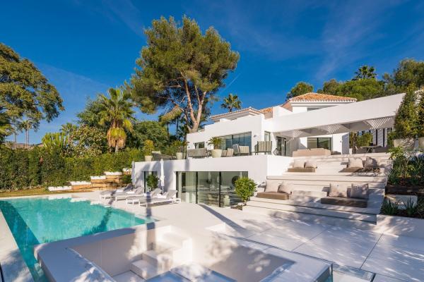 4 Bedroom4, Bathroom Villa For Sale in Las Brisas, Marbella