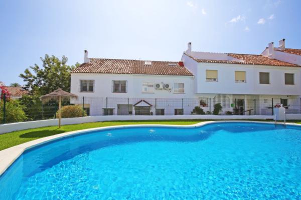 4 Dormitorio3, Baño Adosado En Venta en El Capricho, Marbella