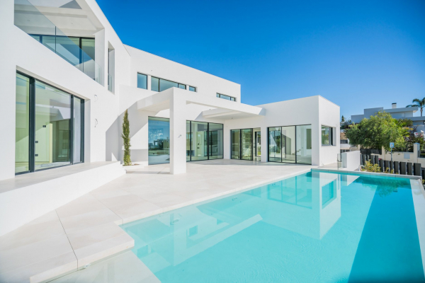 4 Bedroom, 4 Bathroom Villa For Sale in Haza del Conde, Marbella