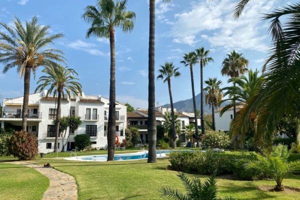 4 Dormitorio, 3 Baño Apartamento En Venta en Las Cascadas, Marbella