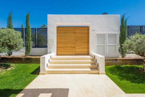 4 Bedroom, 4 Bathroom Villa For Sale in Haza del Conde, Marbella