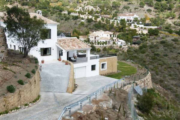 7 Dormitorio, 8 Baño Villa En Venta en El Madronal, Benahavis