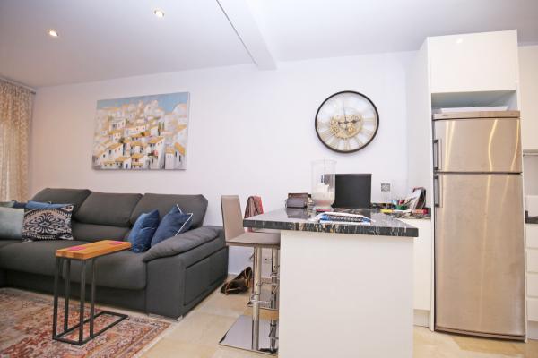 1 Bedroom, 1 Bathroom Apartment For Sale in Señorio de Marbella, Marbella Golden Mile