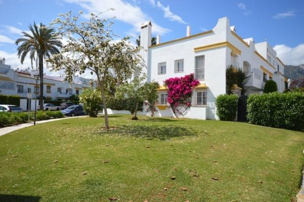 4 Chambre, 3 Salle de bains Maison de Ville A Vendre danse Marbellamar, Marbella Golden Mile
