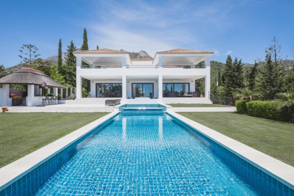 8 Sovrum, 7 Badrum Villa Till Salu i Cascada de Camojan, Marbella