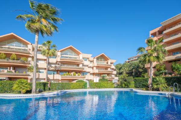 3 Schlafzimmer, 3 Badezimmer Penthaus Zum Verkauf in Magna Marbella, Nueva Andalucia