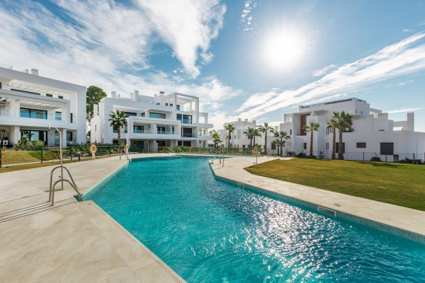 3 Bedroom, 2 Bathroom Penthouse For Sale in Las Terrazas de Atalaya, Estepona