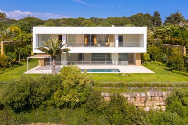 5 Bedroom, 7 Bathroom Villa For Sale in Finca Cortesin, Casares